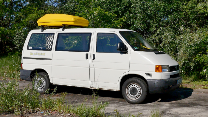 """BulliHoliday Standard """"Frida"""" T4 VW Bus mit BulliHoliday-Ausbau und Dachbox"""