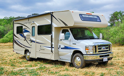 Class C motorhome rental with Campanda