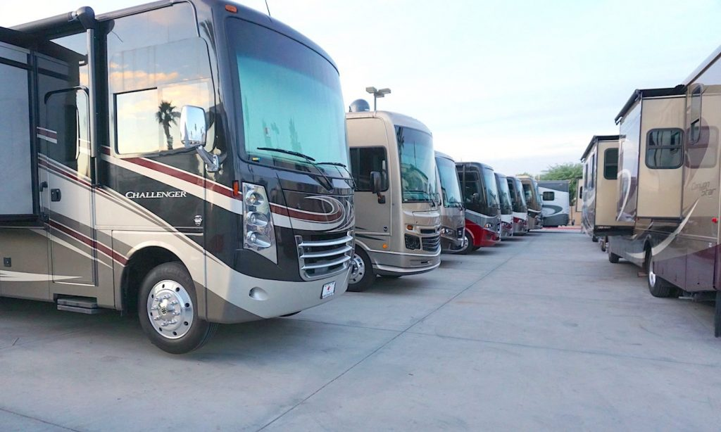 rv dealership see many rvs in one place