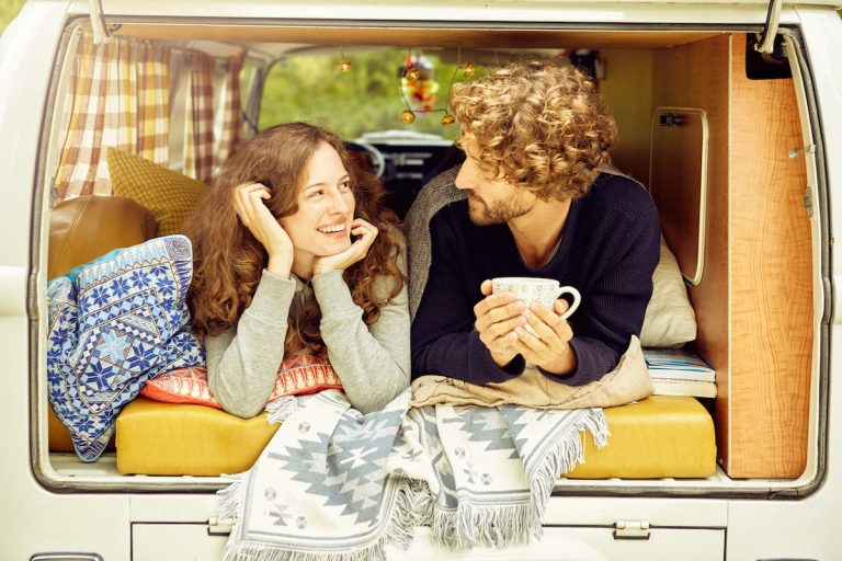 How To Make Your RV Rental More Appealing To Couples