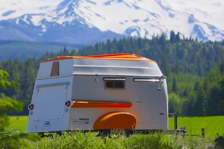 The American Dream: A Retro-Inspired Trailer With A Rowboat Roof